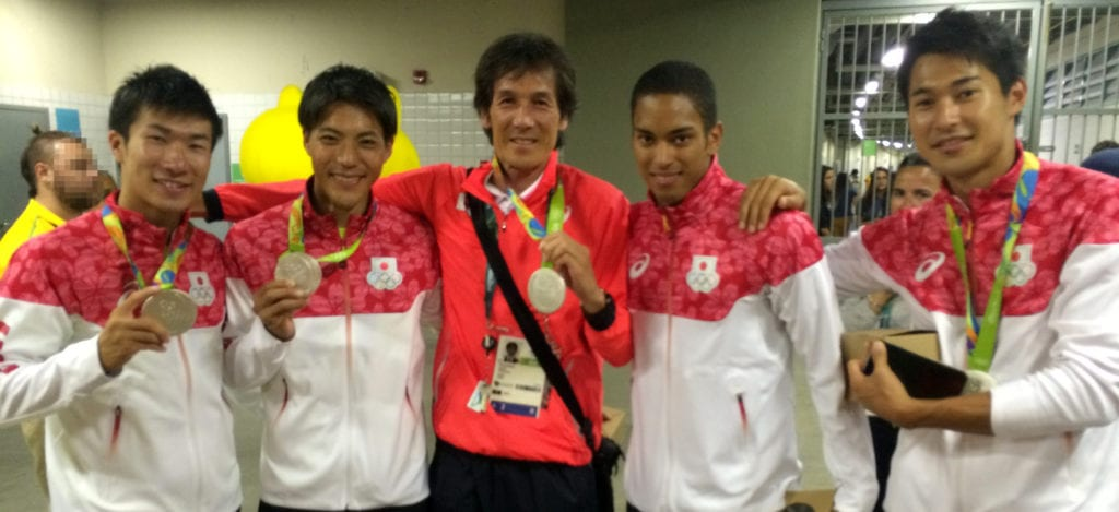 Coach Karube and the Japan relay team