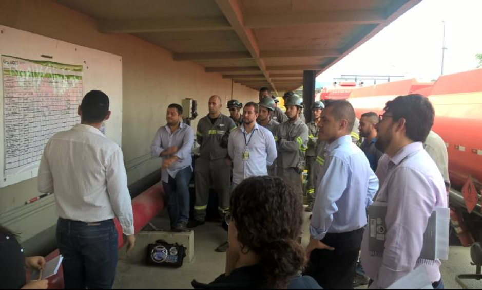 Daily management meeting at AGEO Terminals in Brazil