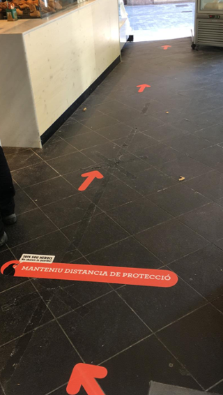 Visual management on the floor of a 365 bakery in Barcelona