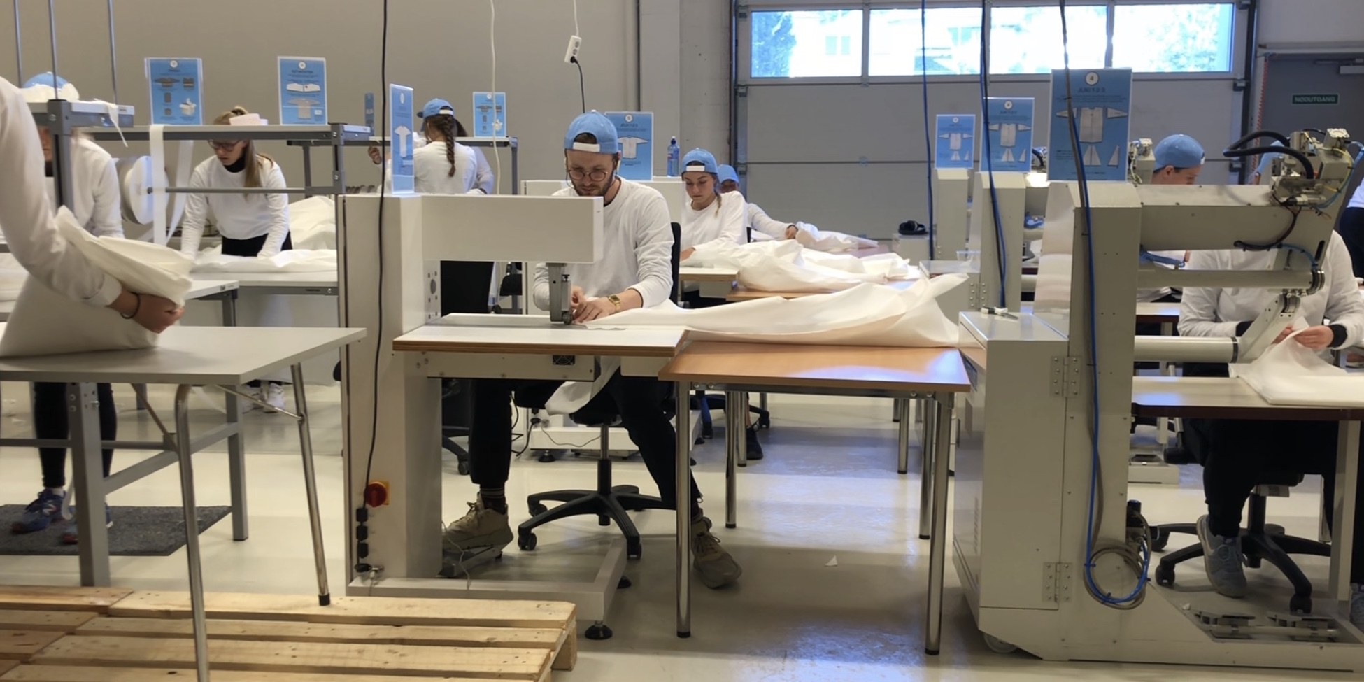 Lean manufacturing to ramp up the production of medical gowns in a Norwegian company